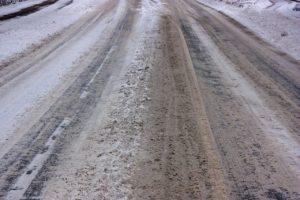 icy-roads-567721_1280 (pixabay)